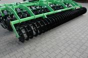 Brona talerzowa kompaktowa zzabezpieczeniem gumowym składana hydraulicznie 4,0m 5,0m 6,0m BOMET